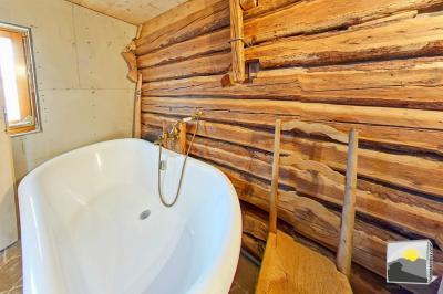 MASE/ Mont-Noble. CHALET en résidence SECONDAIRE avec grange 14.5 pces de 213 m² à vendre