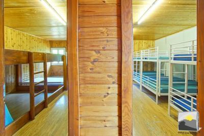 VEYSONNAZ jolie colonie de vacances 456 m² de 84 couchages